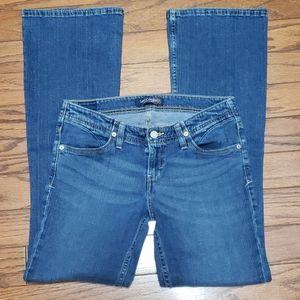 Levi's boot cut medium wash mid-rise jeans EUC